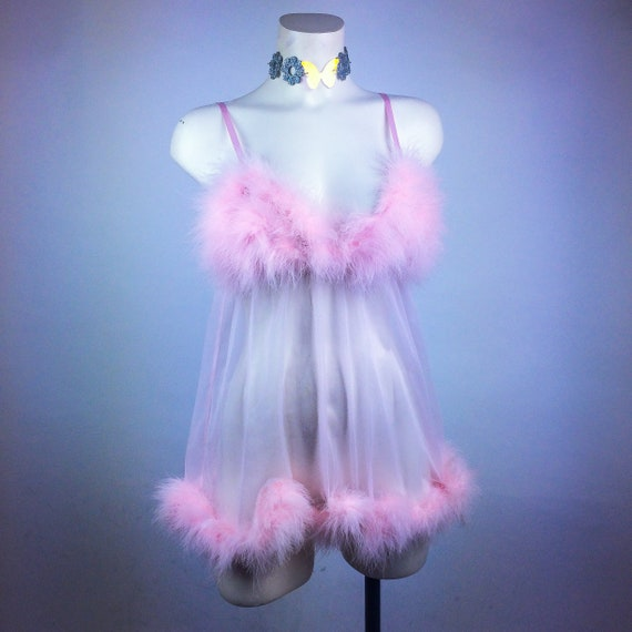 90's Pastel Baby Pink Ostrich Feather  Mesh Peigno