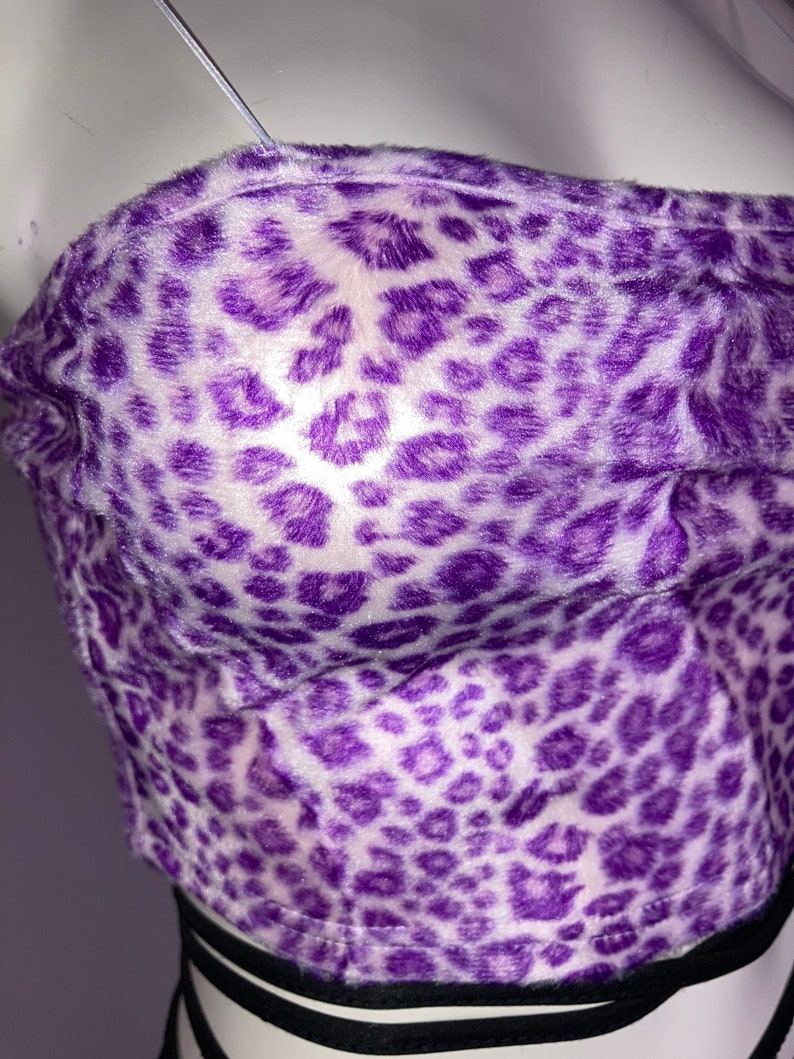 90\u2019s Lavender Leopard Fuzzy Faux Fur Crop zip up Tank Top w spaghetti straps