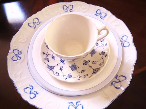 Salad Teacup and Saucer Dinner Plates Vista Alegre Mismatched setting blue pattern plates Myott Finlandia