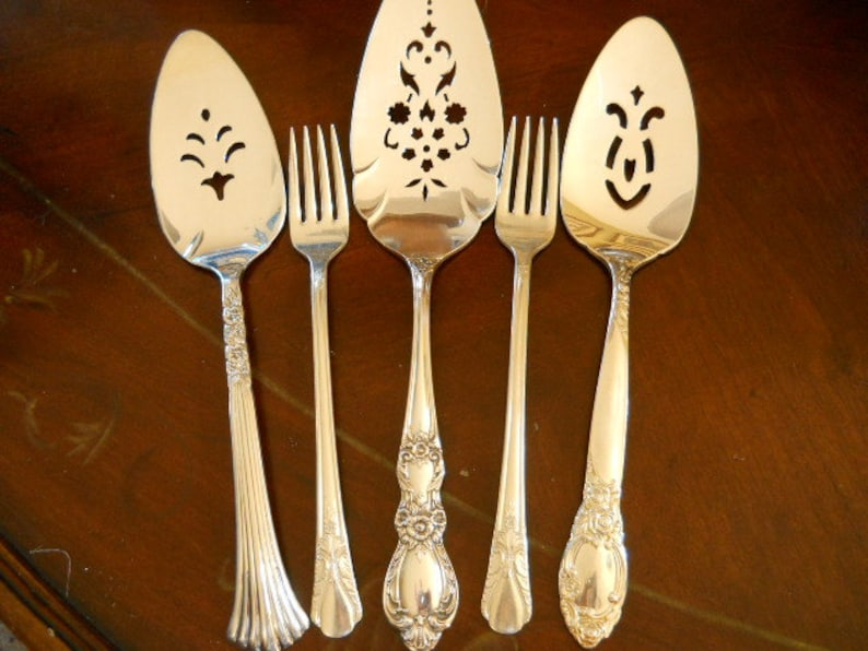 Weddings Table Decor Hand Stamped Mr /& Mrs Wedding Forks Dessert Forks Bride Groom Tasting Forks I Do Me Too