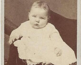 Vintage Baby Carte de Visite (CDV) J.T. Relf Decoral, Iowa, 1800s