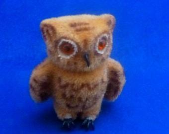 Vintage Wagner Handwork Kunstlerschutz West Germany Flocked Owl Miniature Figurine, 1966-1983