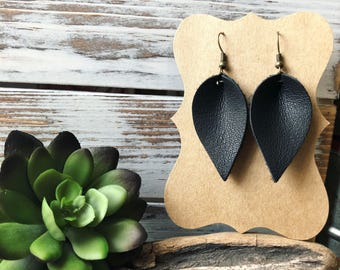 Mini Leather Petal earrings - Raven