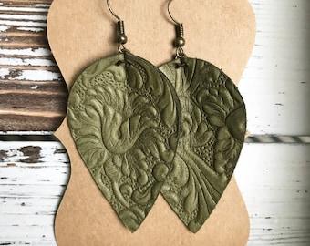 Leather Petal earrings - Olive Design