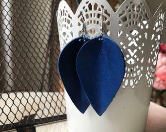 Leather Petal earrings - Royal