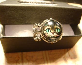 Alice in Wonderland- Cheshire  Cat Ring in Antique Silver (2445)
