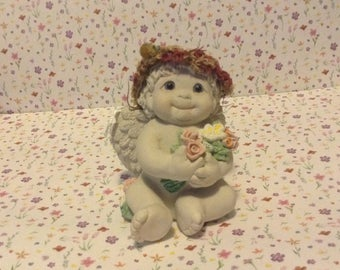 "Dreamsicles Figurine, ""Pretty Posies"", by Kristen Hayes, 1997, signed"