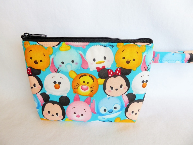 b300ee7e3956 Mickey Mouse    Mickey and Minnie Mouse    Tsum Tsum   Makeup