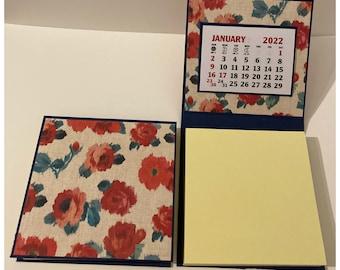 Sticky Note Pad 2022 Calendar Set of 2 Vintage Wallpaper Roses Red Desk Calendar Stocking Stuffers Table Favors Coworkers Teachers RAK 3 x 3