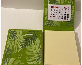 Sticky Note Pad 2022 Calendar Set of 2 Green Tropical Leaves Desk Calendar Stocking Stuffers Table Favors Coworkers Teachers RAK 3 x 3