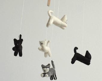 Baby mobile / kitten mobile / black and white mobile / baby crib mobile / cats mobile / handmade mobile / neutral nursery