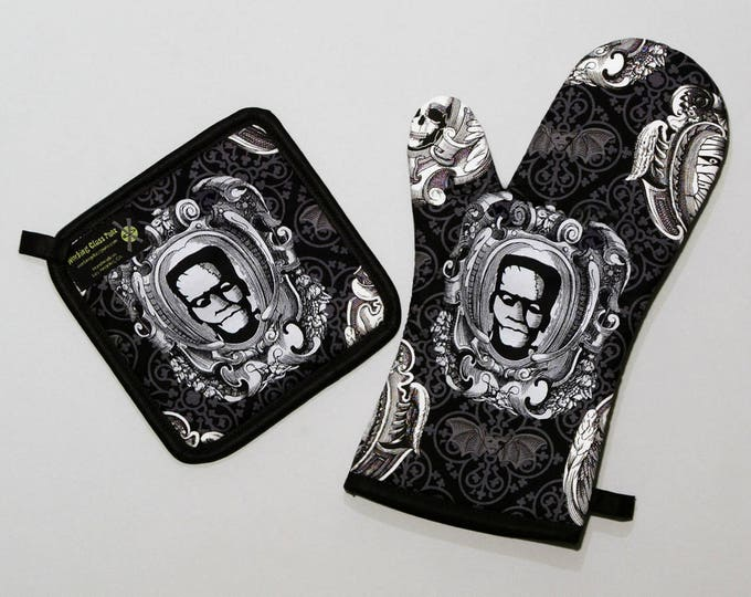 Frankenstein Oven Mitt and Pot Holder, Classic Movie Monsters, Halloween Housewares, Sets and Singles, Black and Gray, Horror Goth Kitchen
