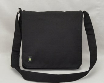 All Black Medium Size Canvas Messenger Bag 9b3ee4766bc13