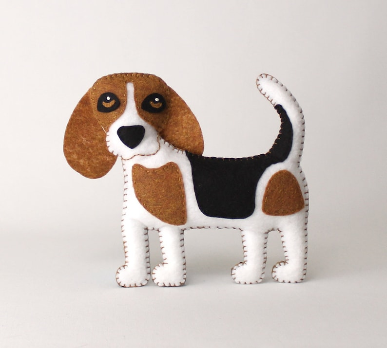Beagle Sewing Pattern Dog Hand Sewing Pattern Sew a Felt image 0