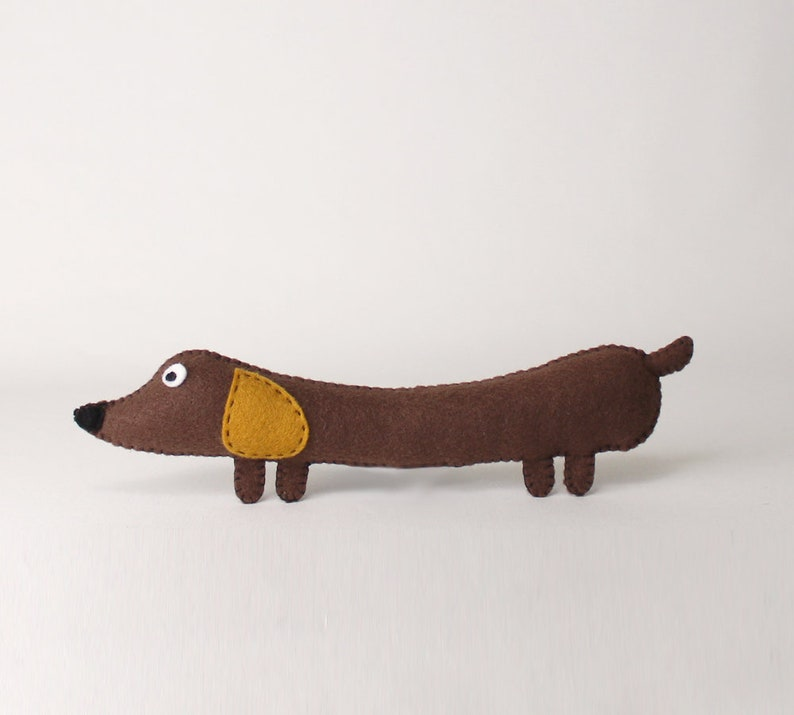 Wiener Dog Sewing Pattern Stuffed Dachshund Felt Soft Toy image 0
