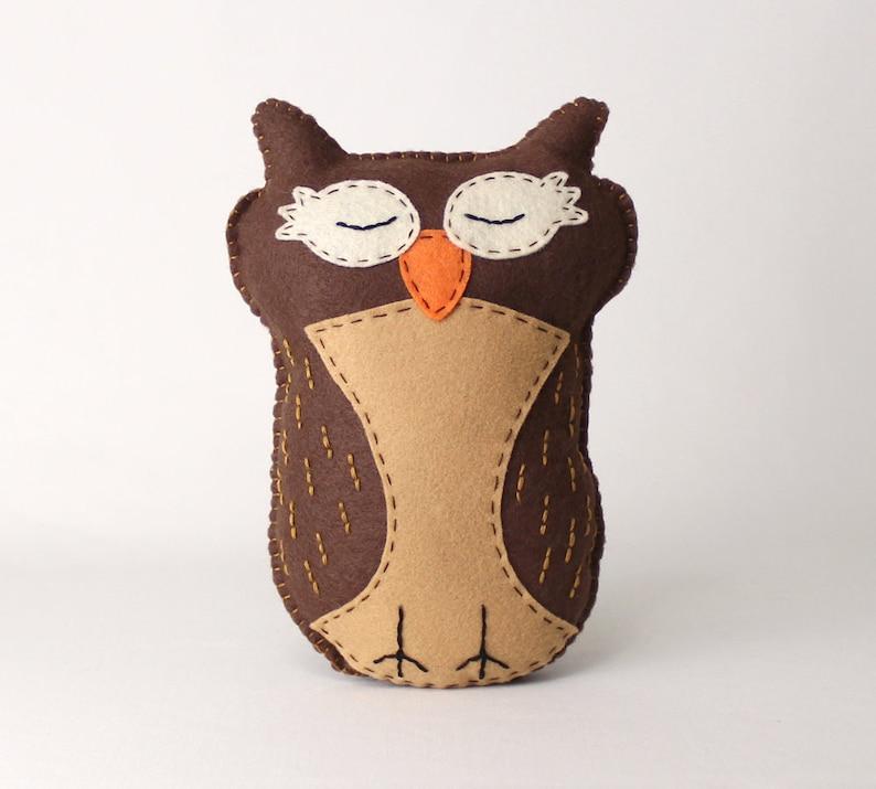 Sleeping Owl Sewing Pattern Felt Stuffed Animal Hand Sewing image 0