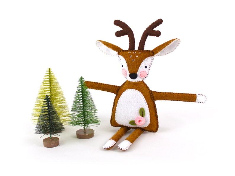 Deer Sewing Pattern Felt Reindeer Plush Hand Sewing image 1