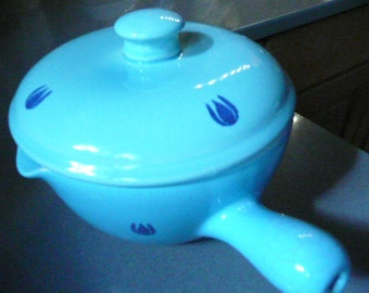 Vintage Small Blue Sweedish Casserole Dish with Cover, Spout and Handle in amazing shape