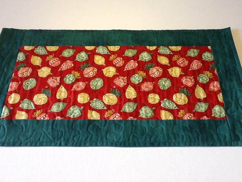 Quilted Christmas Table Runner Christmas Ornaments Table Etsy