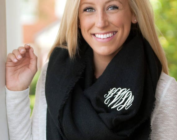 Londyn Infinity Scarf in Black