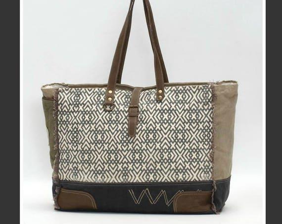 X Design Weekender Bag