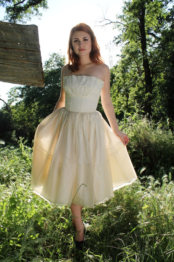 ROSE 1950's Vintage Wedding Dress Classic Strapless Hourglass Off White Bridal Attire Tea Length