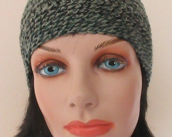 Beanie, Gender Neutral Hat, Teal Green Beanie, Snow Hat, Ice Skating, Hockey Mom, Hockey Dad, Cold Weather Accessory