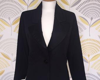 93604ba8d6f 1980s 1990s Yves Saint Laurent Rive Gauche Le Smoking Jacket