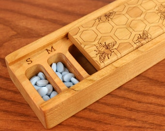 Bee Pattern Cherry Vitamin Box, V16, Days of the Week, Wooden Pill Box, Medium Depth, Paul Szewc, Masterpiece Laser