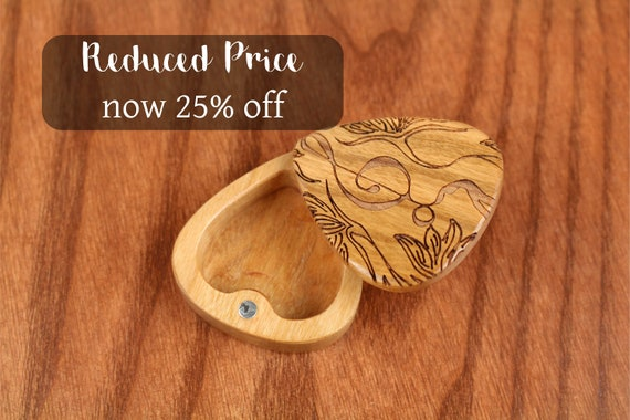 """DISCONTINUED - REDUCED PRICE Slender Guitar Pick Box, Treble, 2-1/4"""" x 2"""" x 3/4""""D, Solid Cherrywood, Laser Engraved, Paul Szewc"""