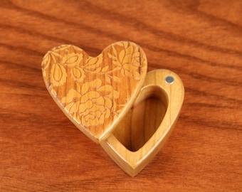 Rose Design Heart Shaped Box, deep, 2-1/4