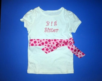 Baby one piece and toddler tshirt - Embroidered girls little sister and big sister