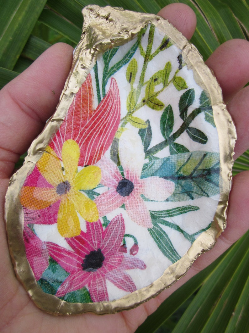 Wildflower oyster ring dish decoupage sea shell scallop trinket dish summer accent yellow pink gold colorful flower print jewelry dish