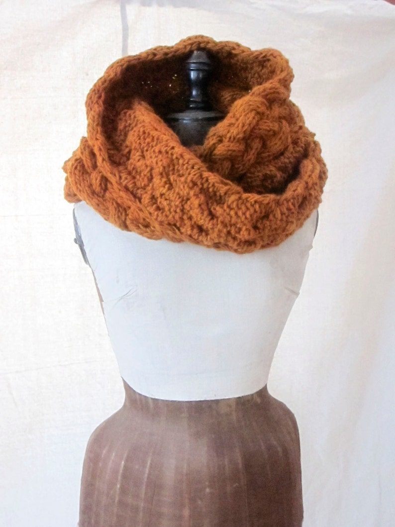 Chunky Braided Cowl Pattern image 0