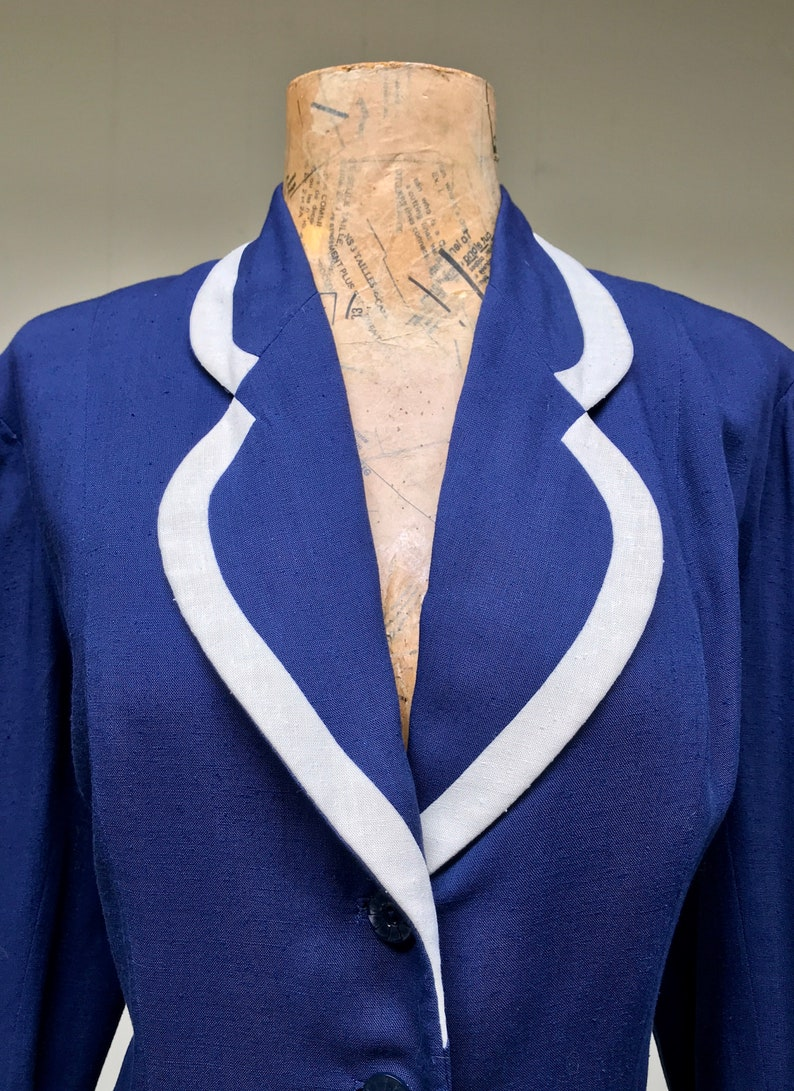 Navy BlueIvory Fitted Hourglass Jacket Medium 40 Bust Vintage 1950s Rayon Jacket Girl Friday New Look Blazer