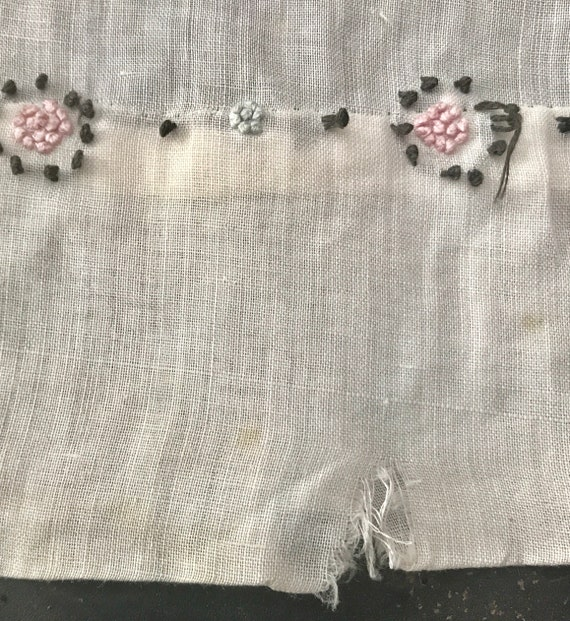 Antique 1910s Edwardian Hand-Embroidered White Ba… - image 7