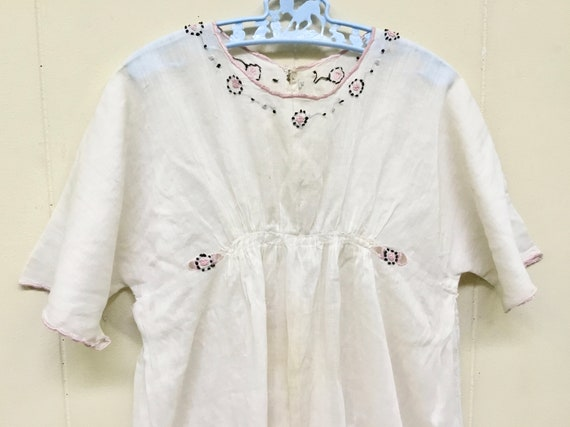 Antique 1910s Edwardian Hand-Embroidered White Ba… - image 3