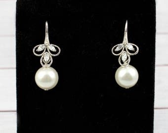 Wedding Earrings, Bridal Earrings, Delicate Small Earrings, Dainty Earrings, Cubic Zirconia Earrings, Pearl Earrings, Bridal Jewelry, CZ