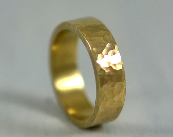 Mens Hammered Ring in 14k Gold, 5mm Wedding Band 14 karat Yellow Gold, Rustic Wedding Bands for Men