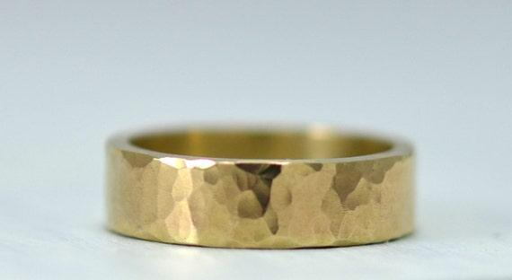 5mm 14k Gold Wedding Band for Men - Hammered Ring - Classic Mens Wedding Ring Rustic Wedding Bands