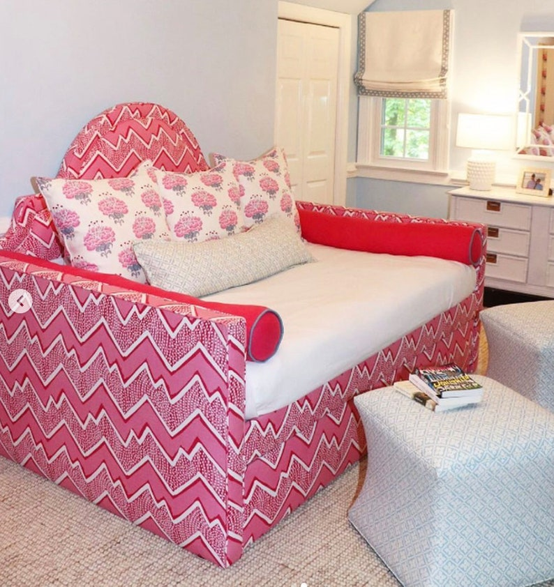 Custom Daybed W/Curved Back and Trundle  COM image 0