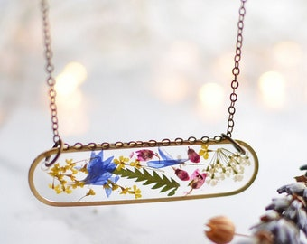 Pressed flower terrarium necklace, Nature pendant, Botanical pressed flower brass jewelry, natural jewelry, flower lower