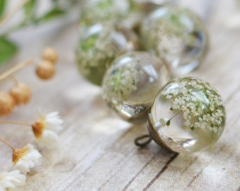 Pressed flower botanical necklace White Queen Anne's Lace terrarium jewelry