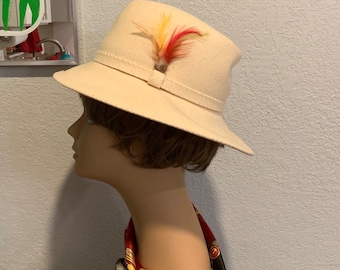 56f5c54eec021 Vintage 1960s DOESKIN by George W. bollman wool feather band hipster fedora  hat