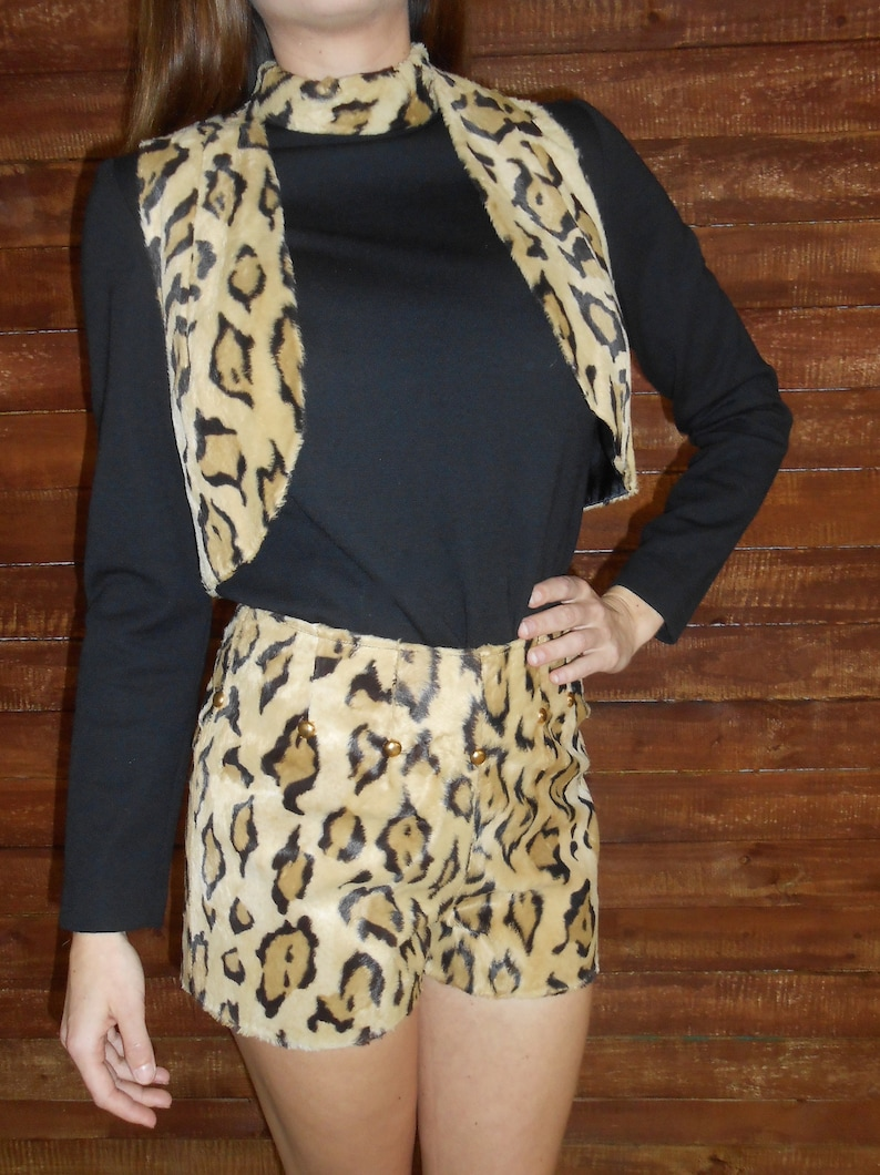 hot shorts size 2 Vintage 1960s TWIGGY  BETTIE PAGE 4-piece faux leopard fur gold-studded leotard /& breakaway skirt set vest