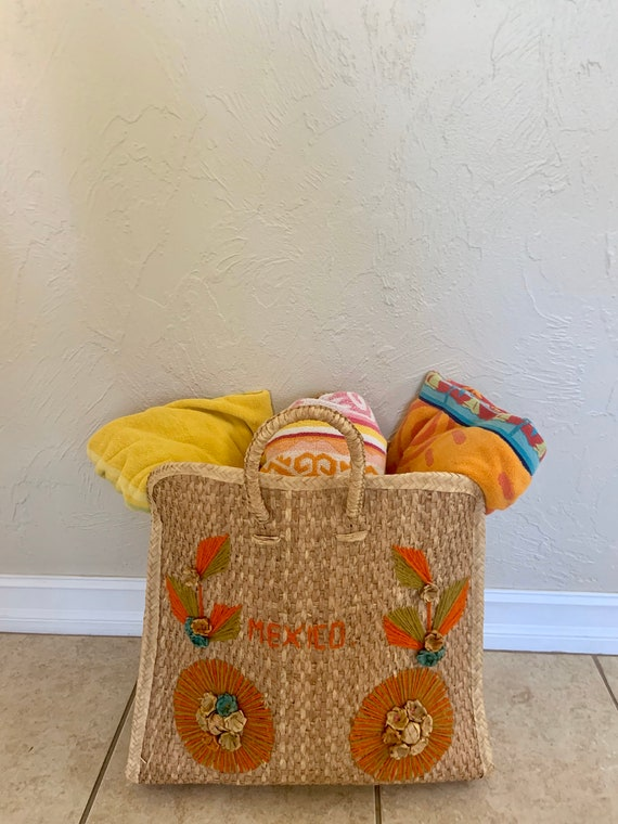 Vintage 1960s woven raffia embroidered 'Mexico' hu