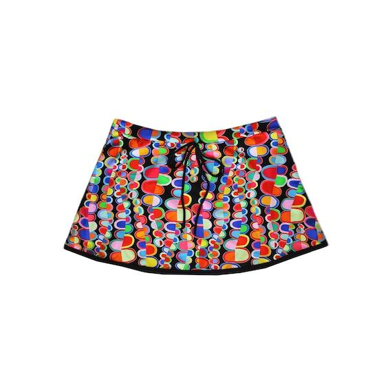 easy slip on no under short Tennis skirt red white hem  contrast ball holder back pocket customize placement athletic bottom