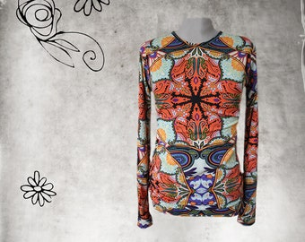 Medallion knit print - long sleeve - woman crew top - pull over tee