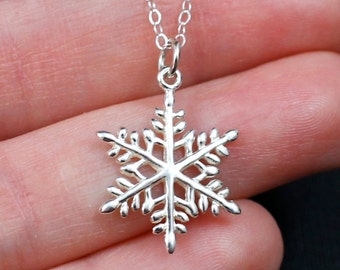 Sterling Silver Snowflake Necklace, Snowflake Pendant Necklace, Snowflake Jewelry, Christmas Necklace, Winter Necklace, Holiday Necklace