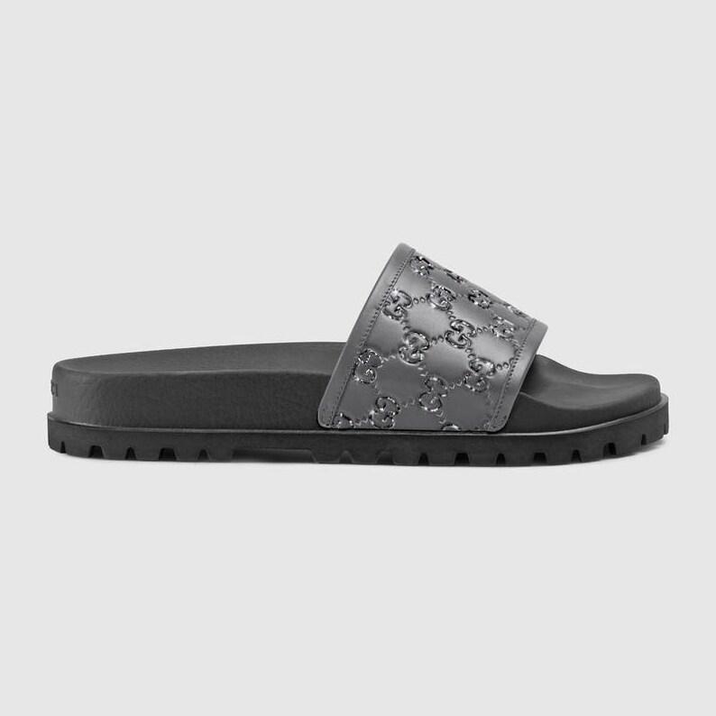 bf64fd08b Gucci Signature slide sandal Fashionable Glam Slides Gucci